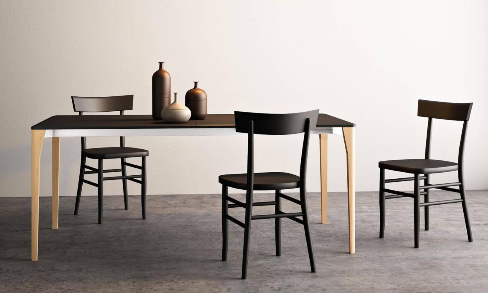 ensemble tables et chaises le design italien bandol vente de cuisines italiennes sur mesure. Black Bedroom Furniture Sets. Home Design Ideas